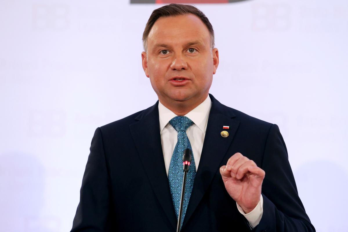Polish president wants firms to be relieved from social security payments