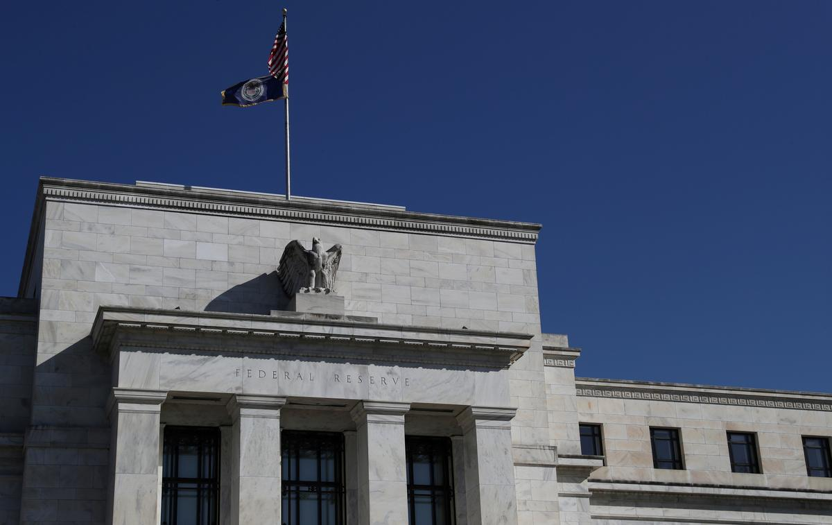 Timeline: Fed's response – pandemic downturn vs financial crisis