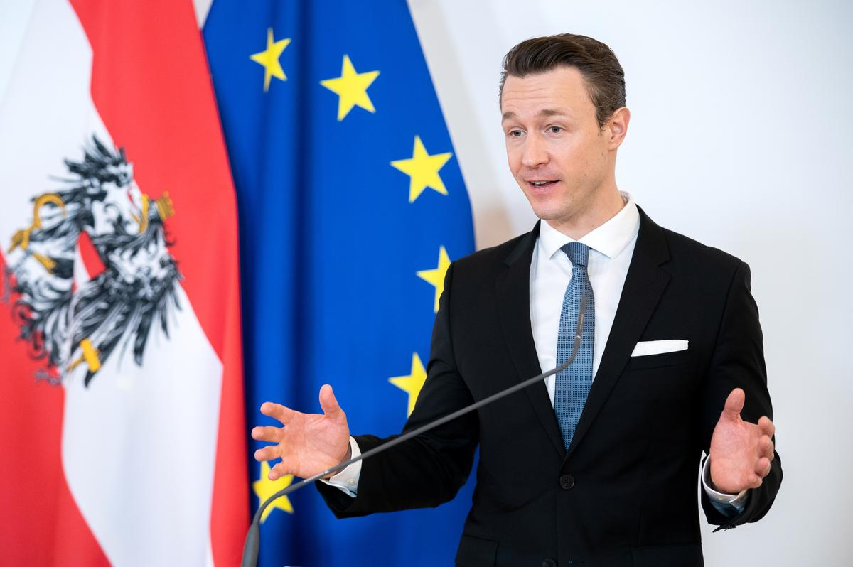 Austria says EU deal should not be a back door to coronabonds