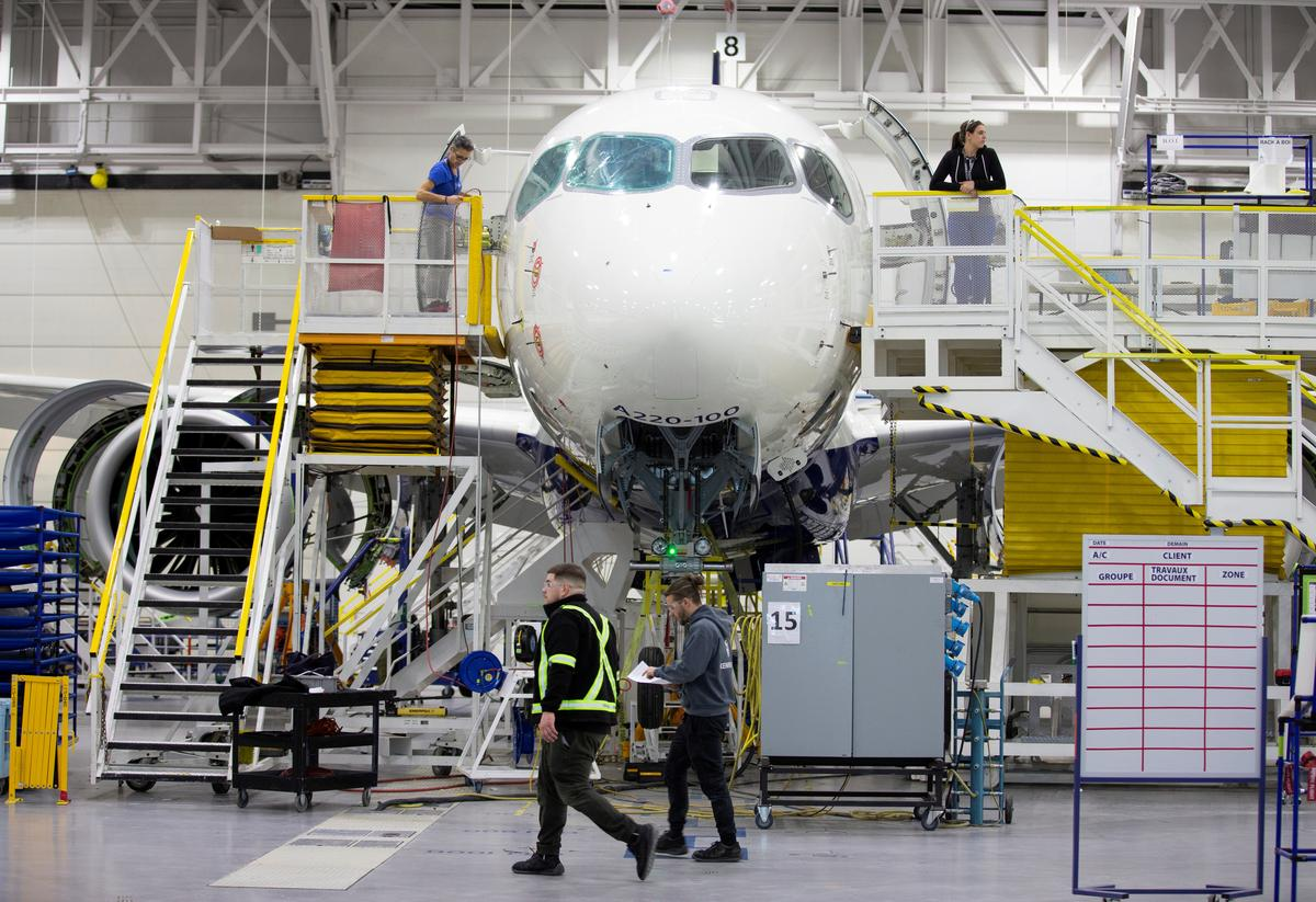 Airbus puts off planned ramp-up of A220 jet