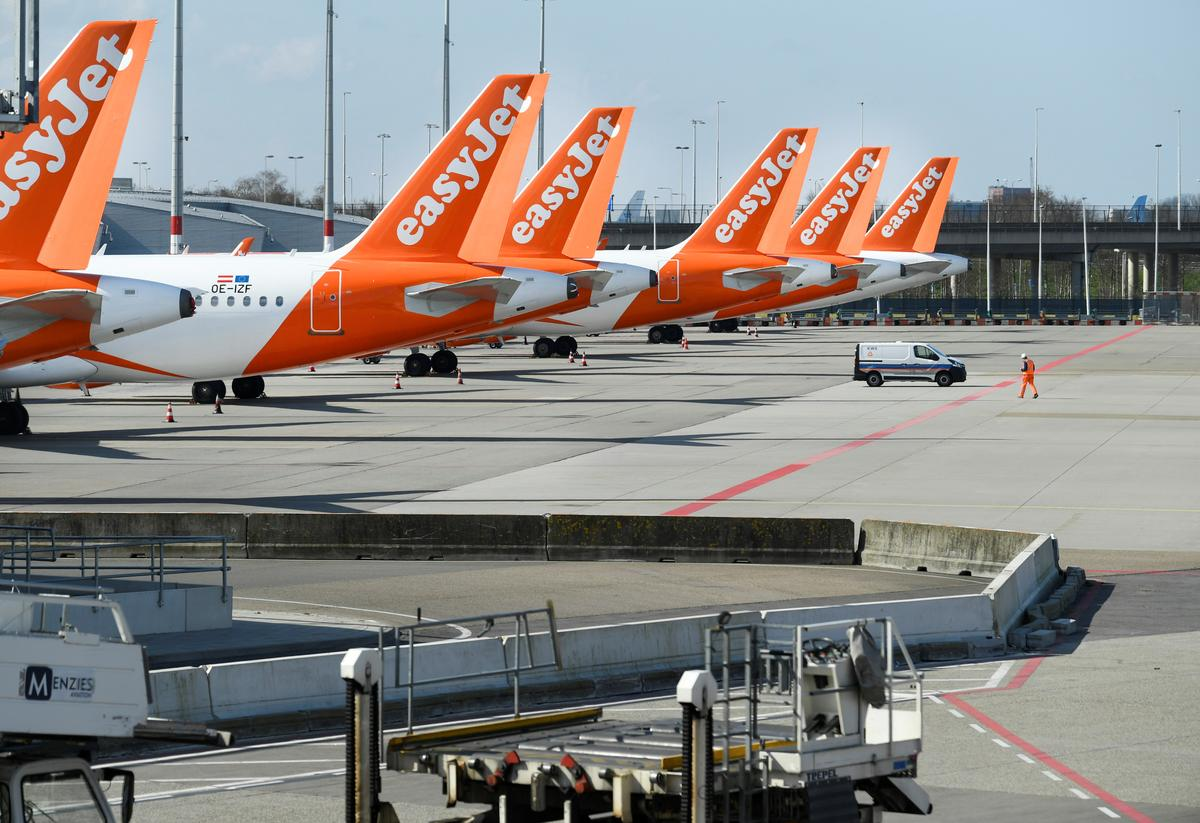 EasyJet says it can survive a lengthy fleet grounding