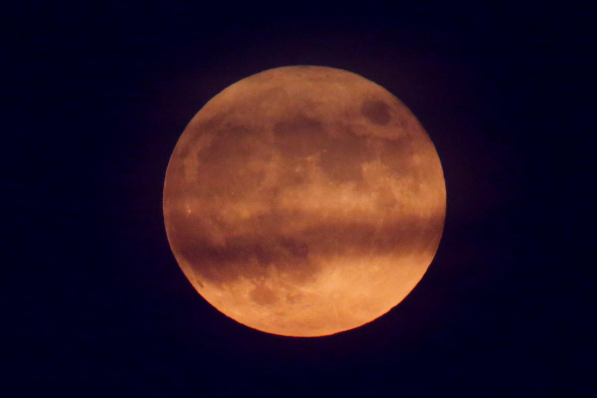 How to See the Full Moon and Partial Lunar Eclipse on Fourth of July