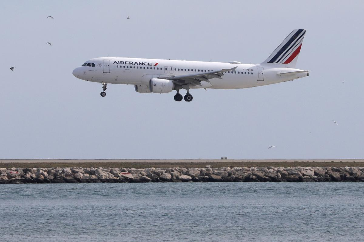 Planemakers delay deliveries as crisis hits manufacturing: Air France-KLM CEO