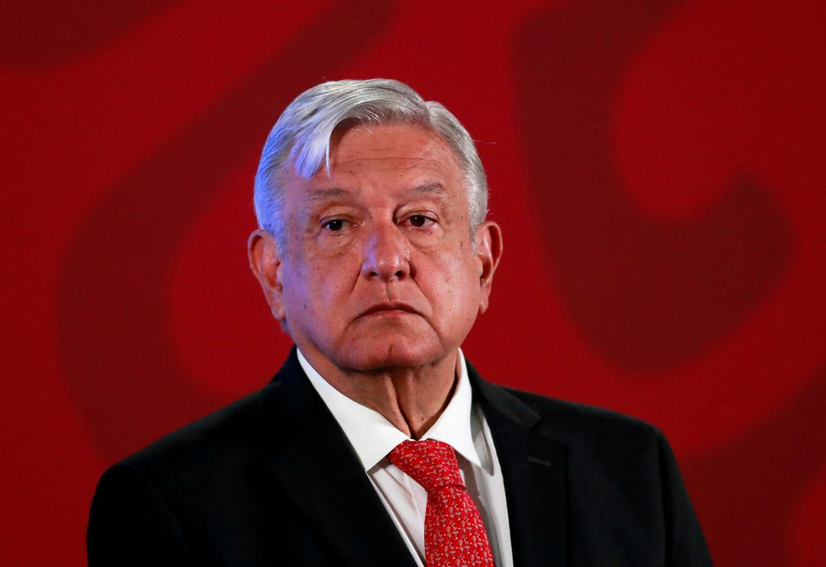 Mexico signals auto industry return on eve of restart plan