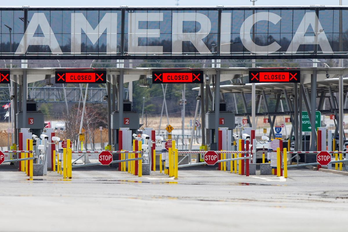 Travel restrictions at U.S. borders with Canada and Mexico likely to be extended: U.S. official