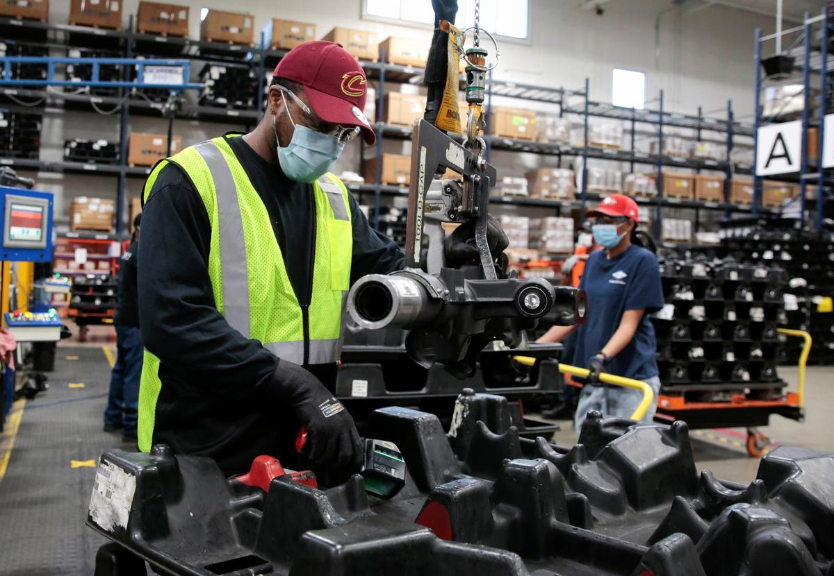 Supplier restarts flow of critical truck parts to Detroit automakers