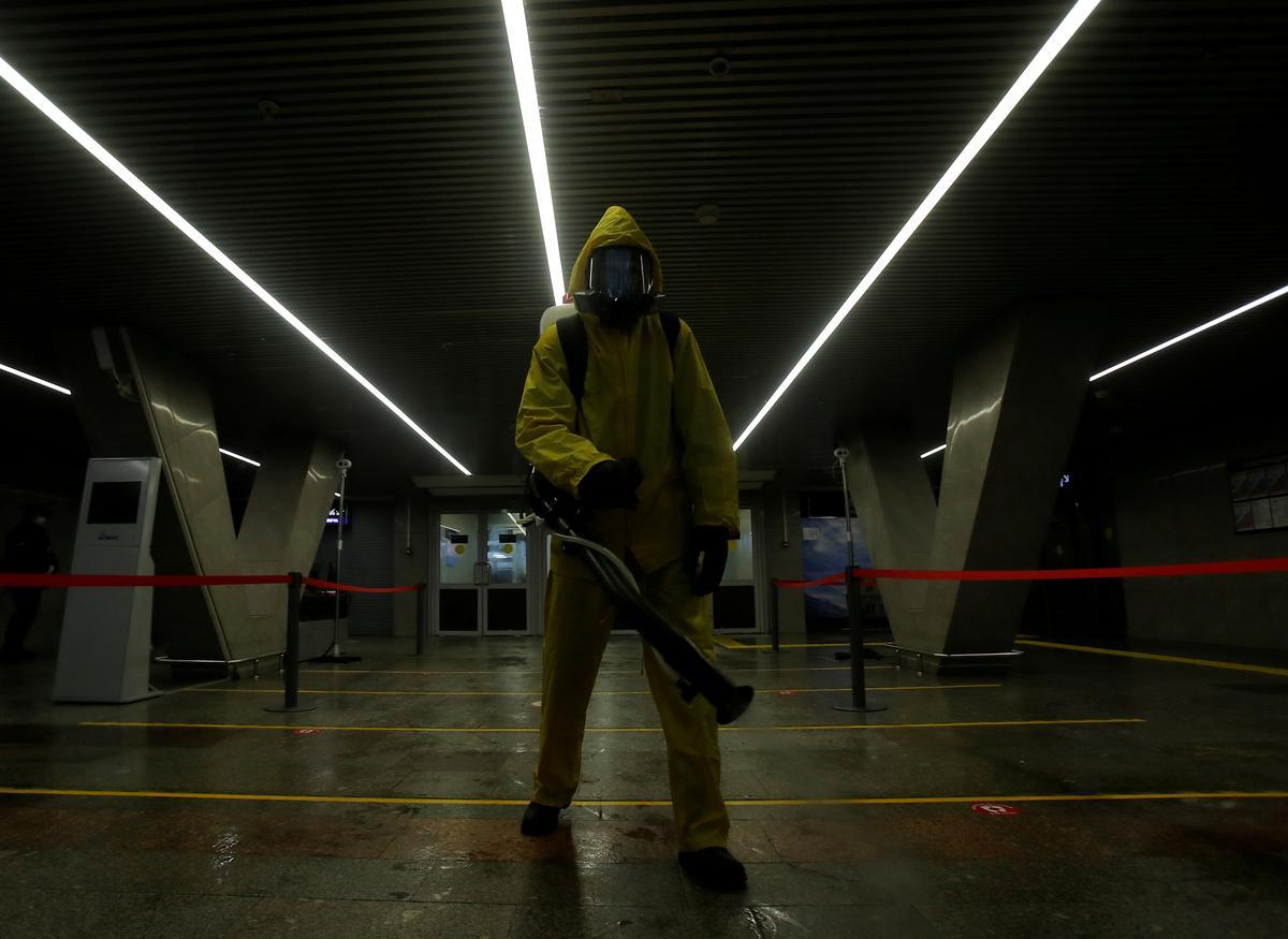 Russia's coronavirus infections pass 300,000, deaths near 3,000