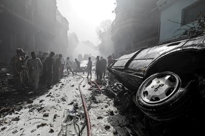 Pakistani PIA plane carrying 99 crashes in Karachi neighborhood