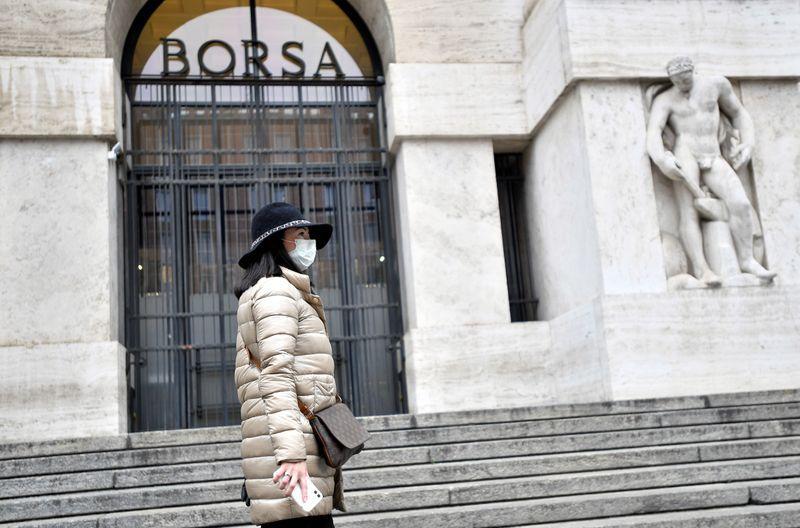 Borsa Milano parte forte su piano Une, strappa Ferragamo, corrono Mps e Bper