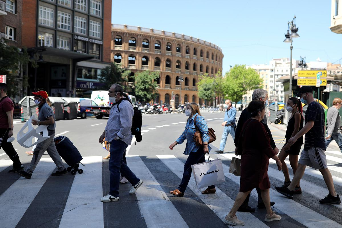Valencia region moves to next stage of Spain's lockdown exit 63