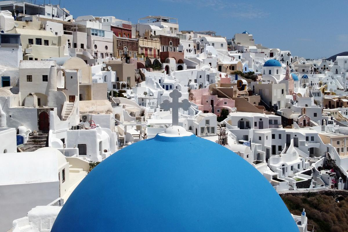 Greece to open to tourists from 29 countries from June 15
