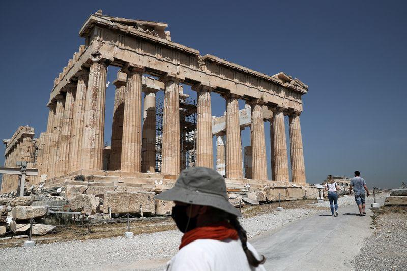 Grecia aprirà a turisti di 29 paesi dal 15 giugno, non all'Italia