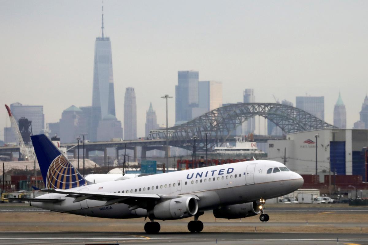 United Airlines cắt giảm 13 công việc hàng đầu, thêm các chuyến bay quốc tế vào tháng Bảy