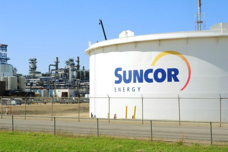 Image of article 'Canada's Suncor CEO sees electric vehicles disrupting oil demand as much as coronavirus'