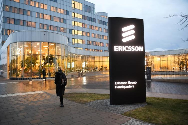CORRECTED-UPDATE 3-Canadian telcos tap Ericsson, Nokia for 5G gear, ditching Huawei