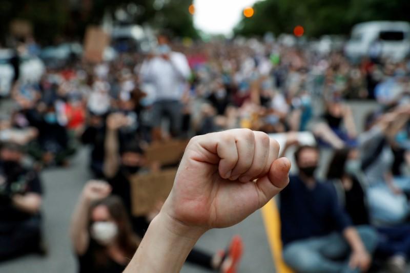TEST!USA: Veillée à Minneapolis en hommage à George Floyd