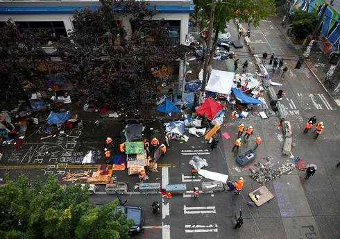 Seattle police clear out CHOP protest zone