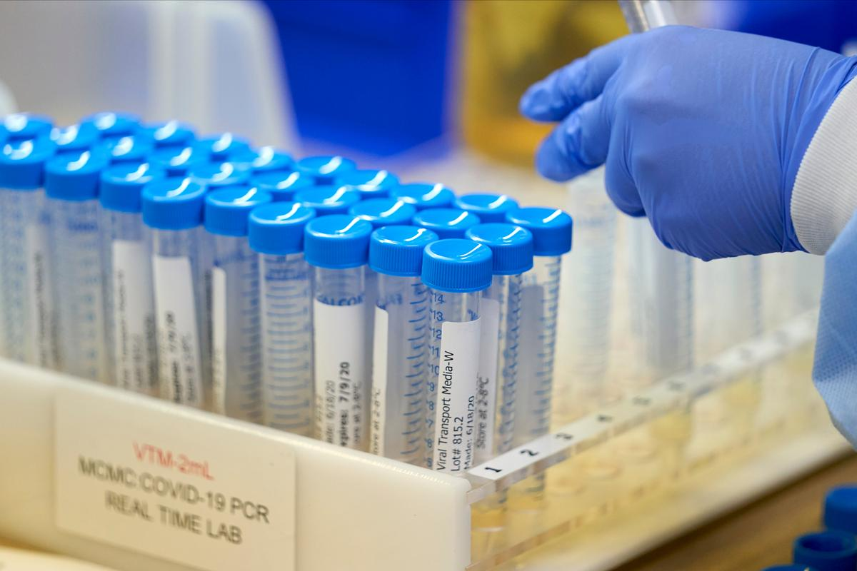 Federal COVID test supplies late, unsterile, Washington state says