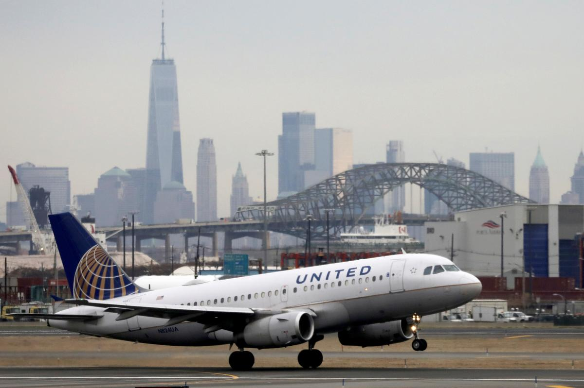 United to drop contract with ExpressJet, dealing potentially fatal blow