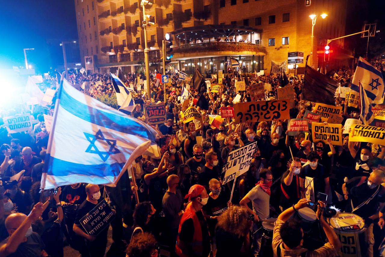 Thousands of Israelis Protest Against Netanyahu Over his Handling of Coronavirus and Alleged Corruption