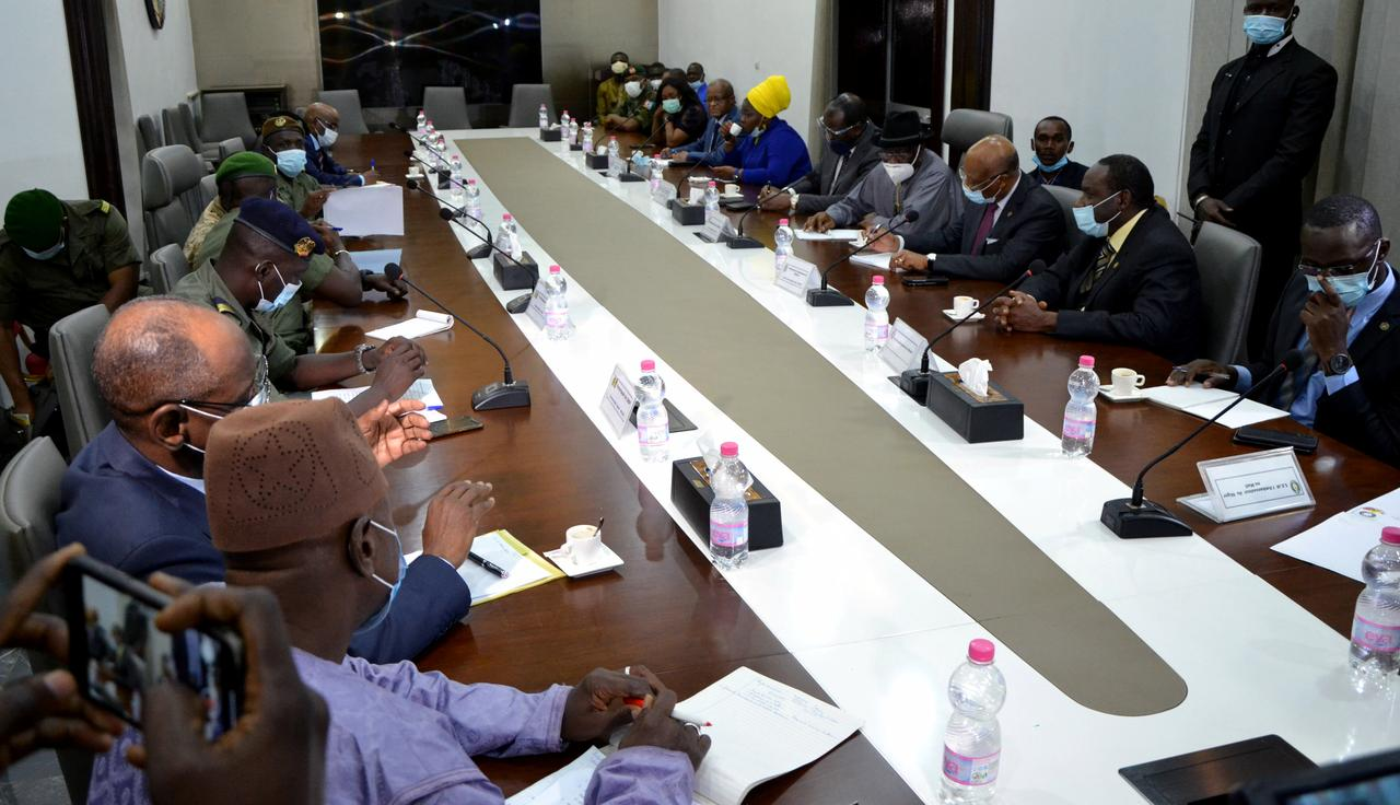 Mali Coup : ECOWAS Mediators Meet With Coup leaders