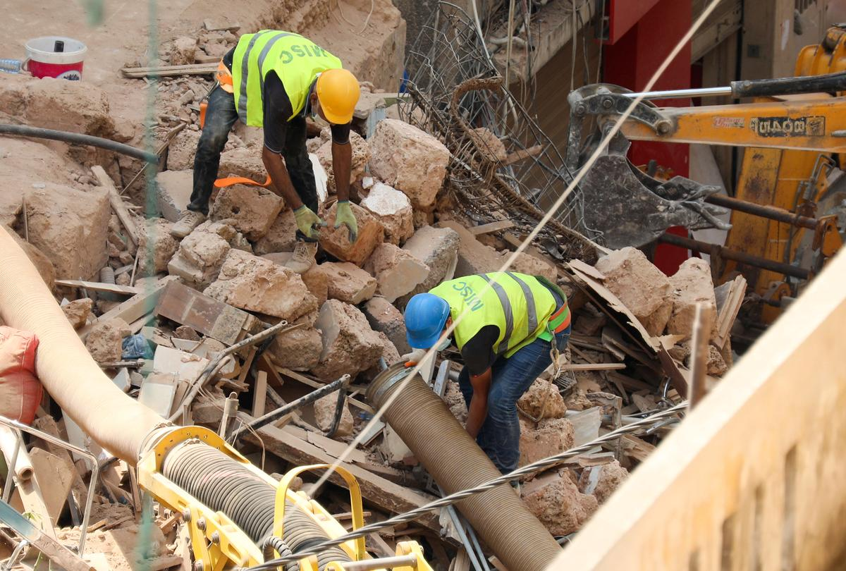 Rescuers search Beirut rubble for third day with nation transfixed – Reuters
