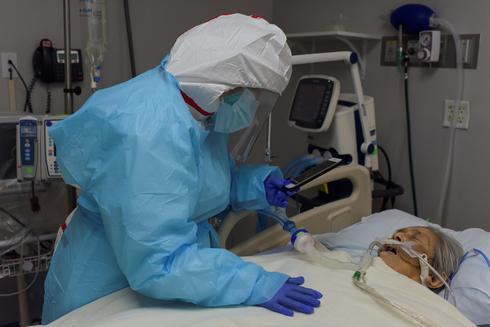 U.S. reaches grim milestone of 200,000 coronavirus deaths