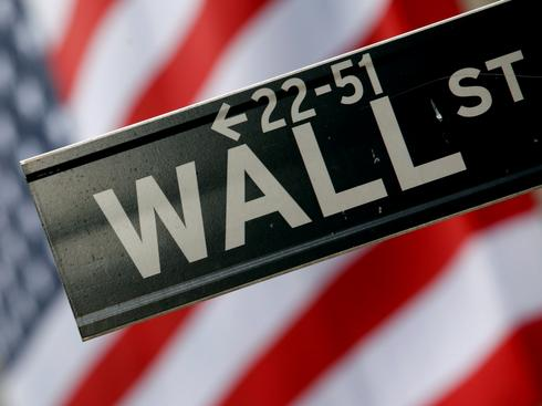 U.S. stocks post sharp quarterly gains, but caution continues to dog outlook