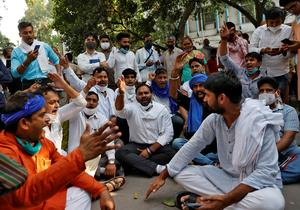 Cremation of Dalit woman gang raped in Hathras sparks protests