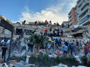 Strong earthquake collapses buildings in Turkey