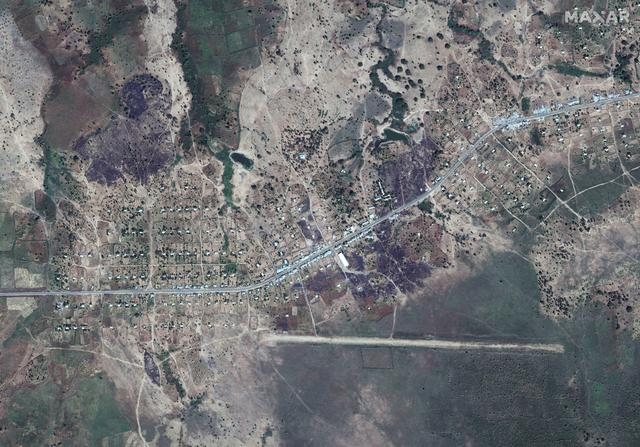 An overview of Dansha airport and destroyed buildings in Dansha, Ethiopia, is seen in this satellite image taken November 18, 2020 and supplied by Maxar Technologies.  ©2020 MAXAR TECHNOLOGIES/Handout via REUTERS