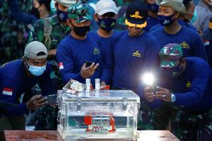 Indonesian plane crashes into Java Sea