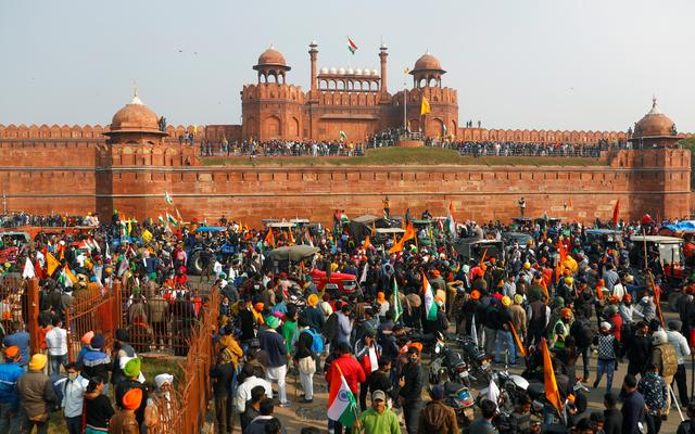 Security tight at India's historic Red Fort as farmers vow to continue  protests | Reuters