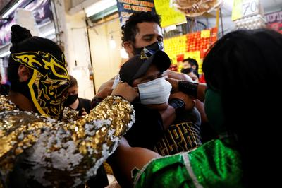 Mexico's lucha libre wrestlers fight against COVID