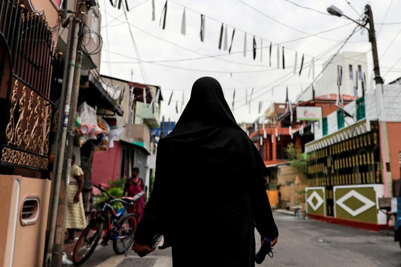 Sri Lanka to Ban Burqa, Shut many Islamic schools, minister says