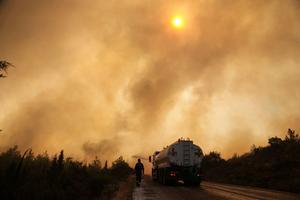 Wildfires blaze on in drought-hit Turkey