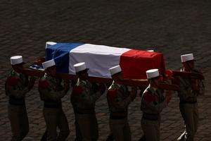 France pays tribute to last survivor of WW2 liberation order